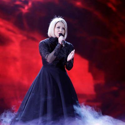 Leena Tirronen på Eurovisionsscenen.