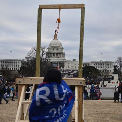Hängsnara framför Kapitolium i Washington D.C.