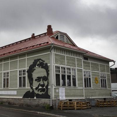 Minna Canthin kotitalo Kanttila Kuopion keskustassa.