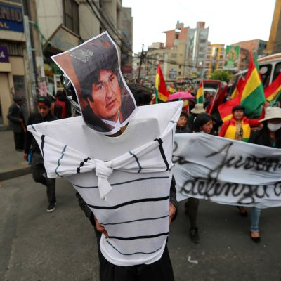 Oppositionsanhängare har hela veckan protesterat mot vad de ser som ett fuskval. Nya massprotester väntas efter det officiella resultatet som gav president Evo Morales hans fjärde seger i presidentval