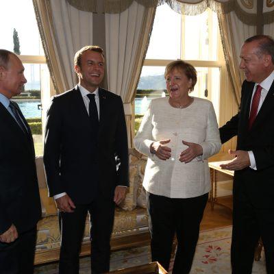 Toppmöte om Syrien i Istanbul.