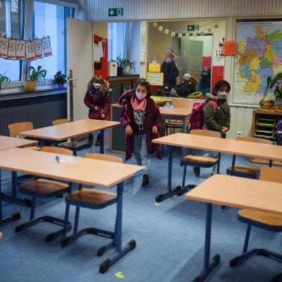 Barn i lågstadieskola i Dortmund i Tyskland.