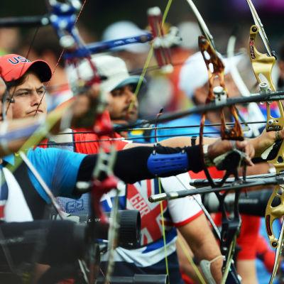 Bågskyttarna i elden i ranking-tävlingen vid OS i London 2012.
