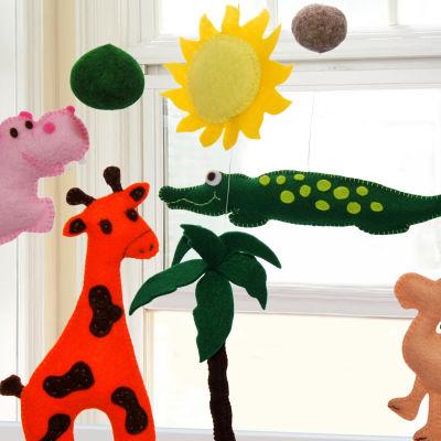 Barnleksak som hänger i taket