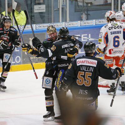 Kärpät slog Tappara med 2-1 i den femte finalen 2014.