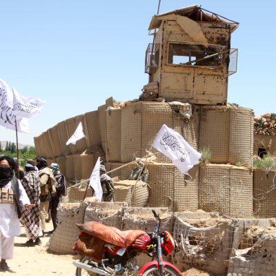 Talibanrebeller har intagit största delen av provinshuvudstaden Ghazni i östra Afghanistan
