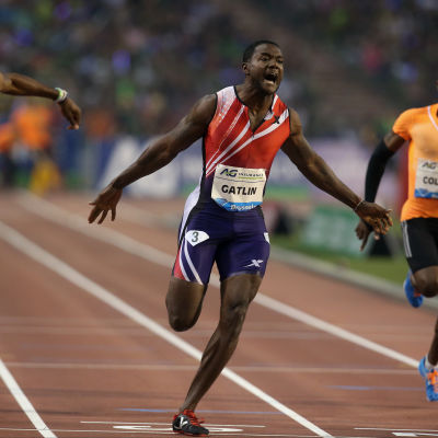 Justin Gatlin springer i mål i Bryssel.
