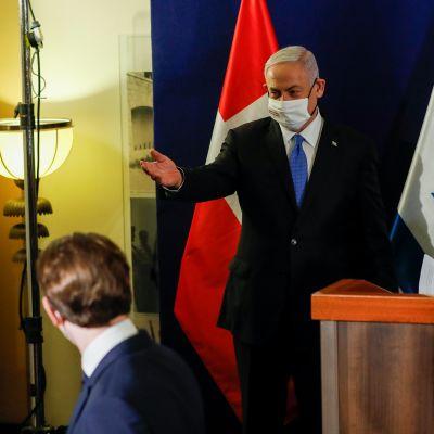 Israelin pääministeri Benjamin Netanjahu isännöi Tanskan pääministeriä Mette Frederikseniä ja Itävallan liittokansleria Sebastian Kurzia Jerusalemissa 4. maaliskuuta 2021.