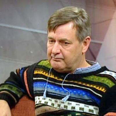 Keijo Siekkinen Ylen Aamu-tv:n studiossa syksyllä 2008