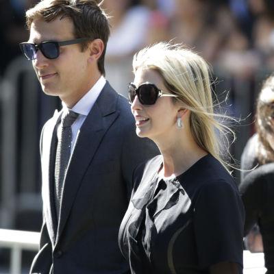 Donald Trumps dotter Ivanka med sin man Jared Kushner.