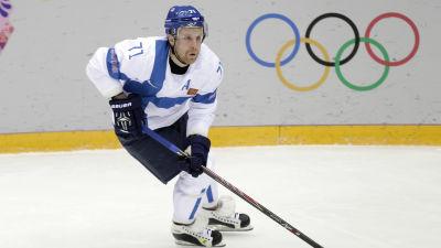 Leo Komarov i OS.
