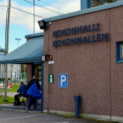 Fasaden på idrottshallen i Kokon.