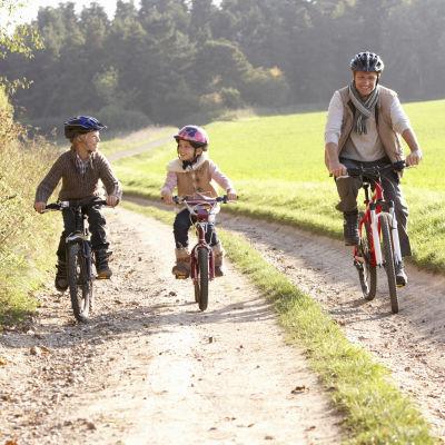 Tre cyklister