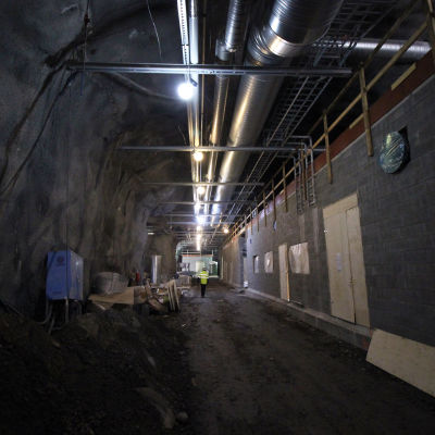 Yleiskuva rakenteilla olevasta Mikkelin Metsä-Sairilan jätevedenpuhdistamon luolastosta.