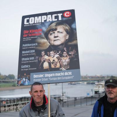 Pegida-demonstration mot Angela Merkel i Dresden.