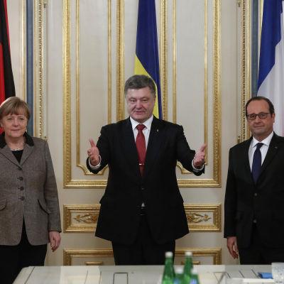 Merkel, Porosjenko och Hollande träffades i Kiev