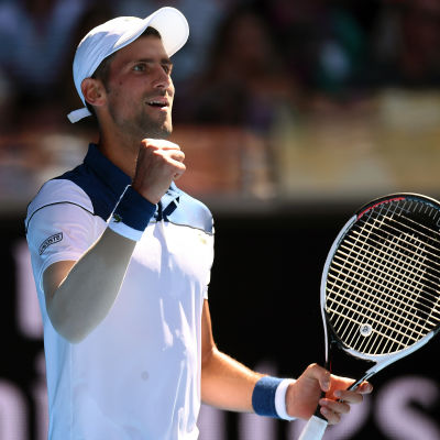 Novak Djokovic knyter näven