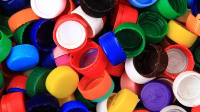 Färgglada plastkorkar