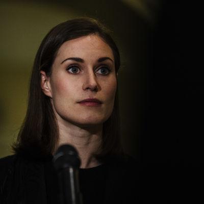 Sanna Marin piti tiedotustilaisuun Valtioneuvoston linnassa illalla 15. lokakuuta.