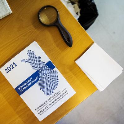 Helsingissä Töölön Kisahallin äänestyspaikalla oli iltapäivällä hiljaista.