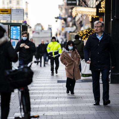 Vy från Alexandersgatan i Helsingfors den 7 december 2020.