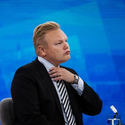 Tiede- ja kulttuuriministeri Antti Kurvinen vieraili Ylen aamussa 20. elokuuta.