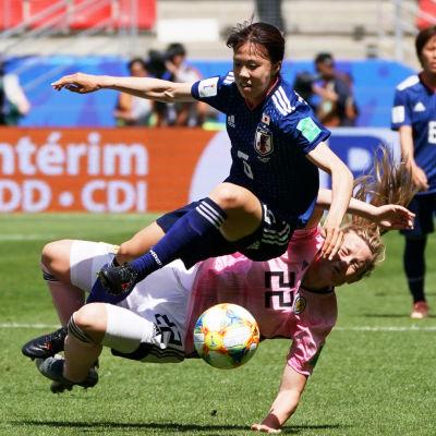 Japan mot Skottland i fotbolls-VM.