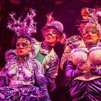 Aristokraatit Cirque du Soleilin esityksestä Alegría.