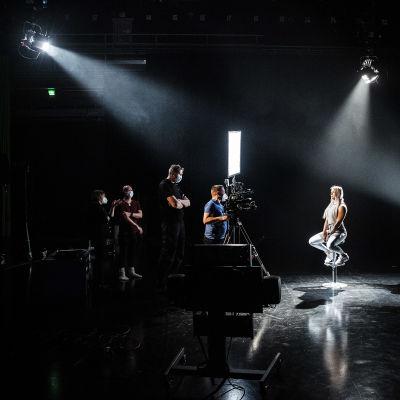 Ylen MOT:n tosi-tv:tä koskevaa ohjelmaa kuvattiin Helsingin Pasilassa maaliskuussa.
