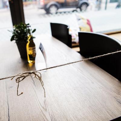 Kaikki pöydät eivät ole ravintolasalissa käytössä.