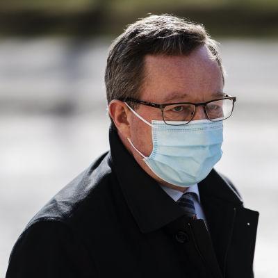 Hallitus kokoontui Säätytalolle neuvottelemaan muun muassa rokotuksista 14. huhtikuuta.