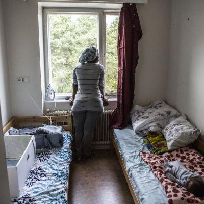 Asylsökande på Röda korsets flyktingförläggning i Åbo