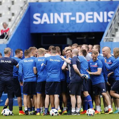 Island taggar inför ödesmatchen vid fotbolls-EM.