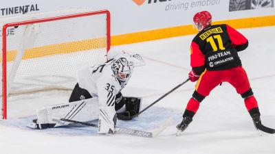 Kalle Kossila gör mål.