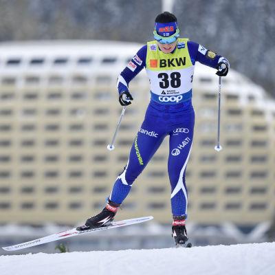 Krista Pärmäkoski jagar täten i Tour de Ski.