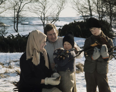 Rose-Marie Rosenback (Maija) och Leif Sundberg (Janne) och barnen