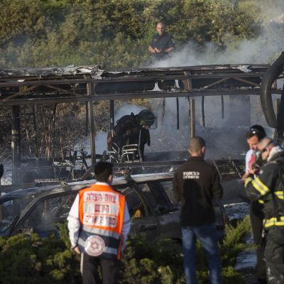 Flera skadade då buss exploderade i Jerusalem