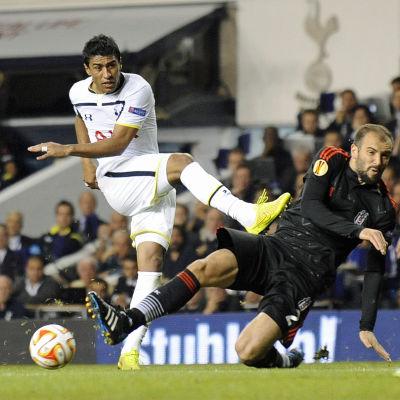 Paulinho i Tottenham