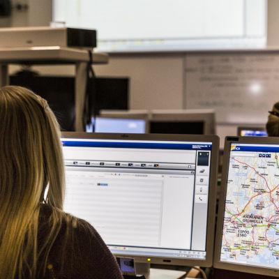 ERICA järjestelmän opiskelua Keravan hätäkeskuslaitoksen oppiluokassa