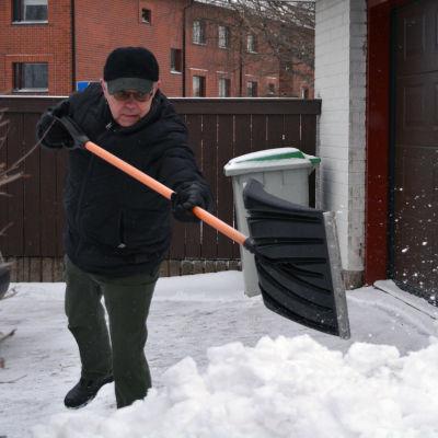 Egil Green skottar snö