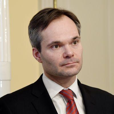 Inrikesminister Kai Mykkänen efter att ha svurit tjänsteeden den 12 februari 2018.