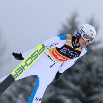 I januari tävlade Jarl Magnus Riiber i Lahtis.