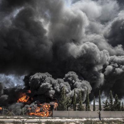 gazas kraftverk brinner