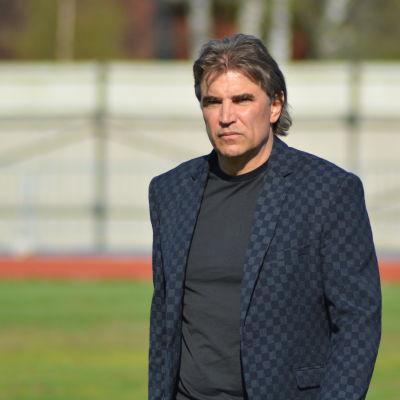 Alexeij Eremenko Senior är tränare i FF Jaro.