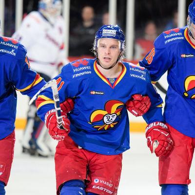 Antti Pihlström leds av isen, Jokerit-SKA, januari 2017.