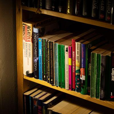 Agatha Christien kirjoja Vihreä Planeetta antikvariaatissa.