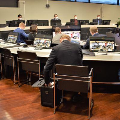 Kotisairaala Luotsin oikeudenkäynti, syytettynä Turun kaupungin virkamiehiä