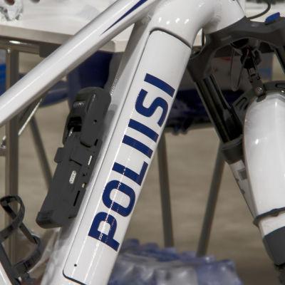 Poliiisin polkupyörä.