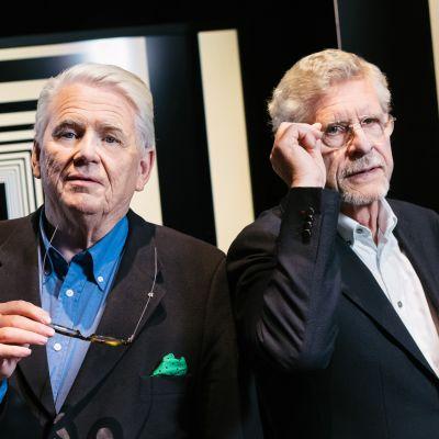 Maaseudulta maailmalle -sarjan juontavat Lasse Lehtinen ja Seppo Hovi.