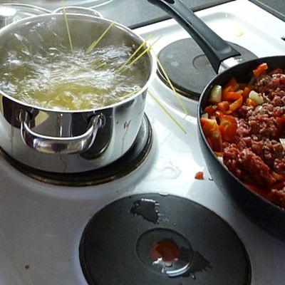Spaghettia ja jauhelihakastiketta.